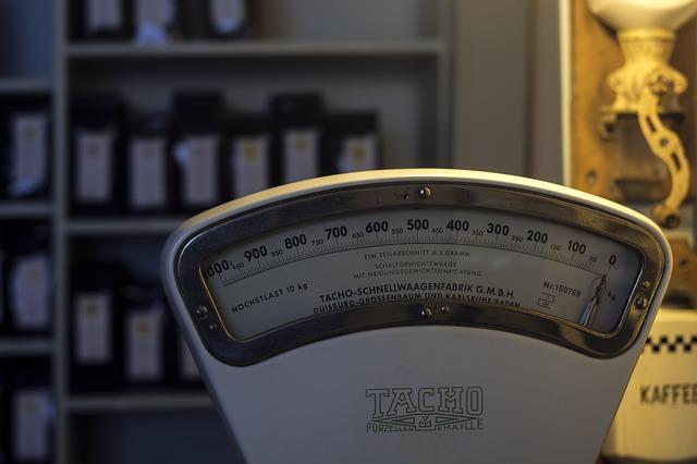 váha v obchodě