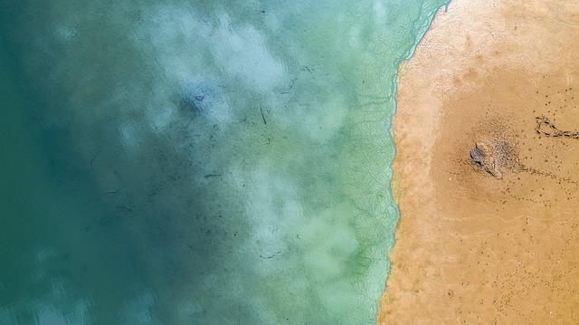 voda a písek