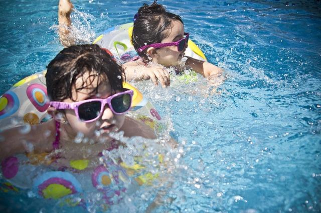 dívenky ve vodě